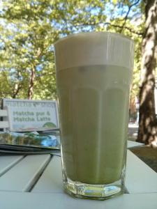 Iced Matcha Cocos Latte