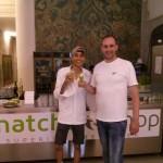 matchashop Inhaber Florian Rosch mit Designer BOBBY KOLADE
