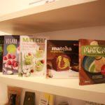 Matcha Bücher im matchashop Berlin (Bild: R. Lüchter)